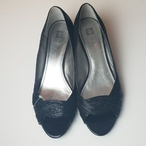 Anne Klein peep toe wedges size 10M leather